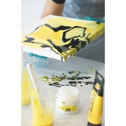 Počitniška delavnica popularna Pouring tehnika- zlivanje akrilnih barv na platno