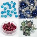 Steklene perle različnih oblik in velikosti, obeski