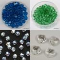 Brušene steklene perle in obeski različnih velikosti in oblik